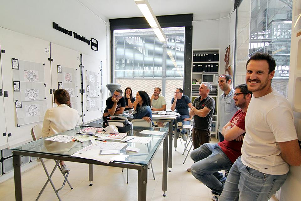 manual thinking creative teamwork 25