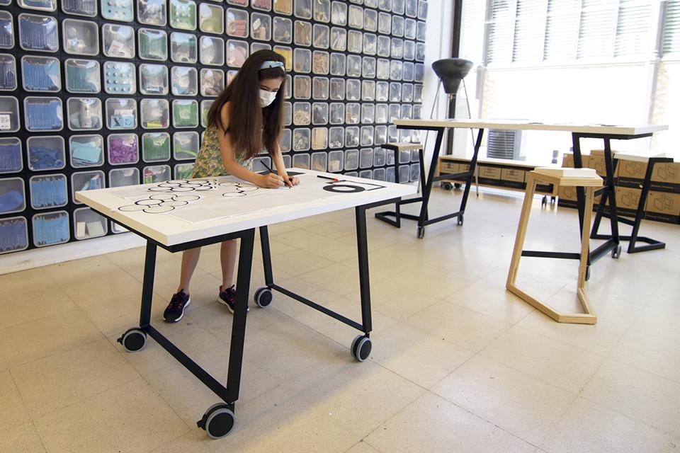 manual thinking workspace furniture 04