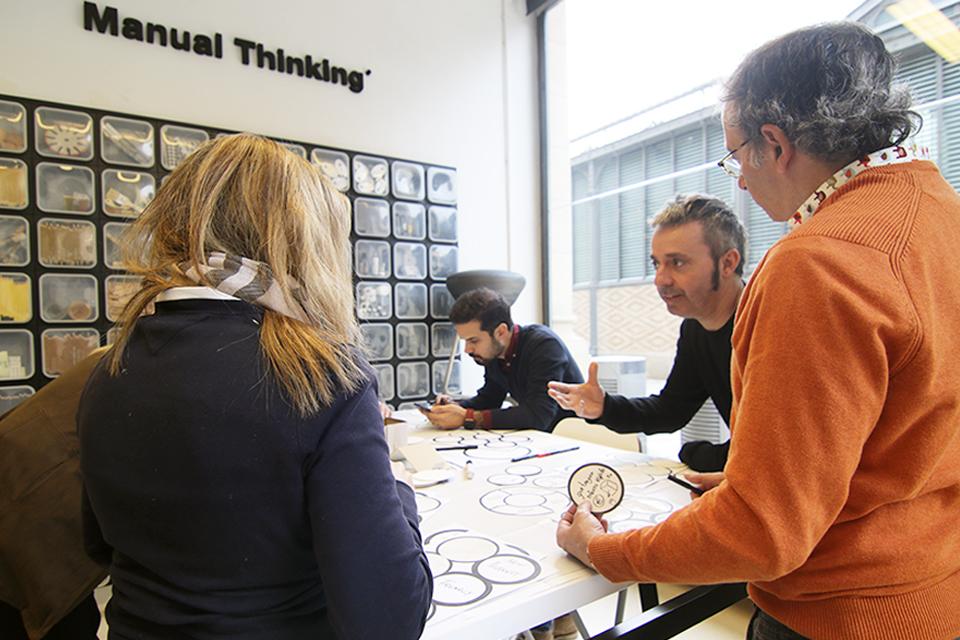 manual thinking workspace furniture 07