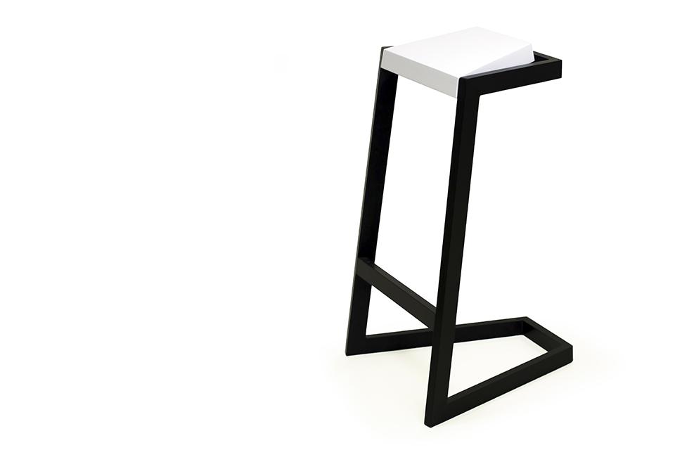 manual thinking work stool 01